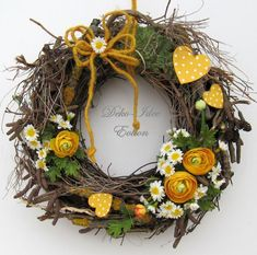 Easter Wreaths, Christmas Wreaths, Christmas Decorations, Diy Wreath, Grapevine Wreath, Outdoor Wreaths, How To Make Wreaths, Patch, Craft Fairs