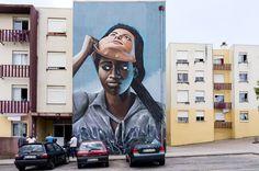 Quinta do Mochoes un barrio de la periferia Lisboeta, en Sacavém, noroeste, cerca del aeropuerto y la Ponte Vasco de Gama. Un barrio de viviendas sociales poblado por emigrantes de Angola, Cabo Ve…