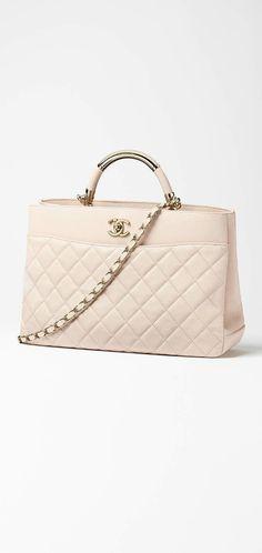 a16217aa9 chanel handbags 2019 collection #Chanelhandbags Moda Fantástica, Estilos  Diferentes, Vermelho E Rosa,