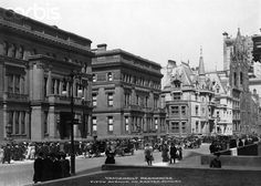 Vanderbilt Residences, Fifth Ave, NYC (1900) Fifth Ave & 51st St, on Easter Sunday, and the row of Vanderbilt Mansions.