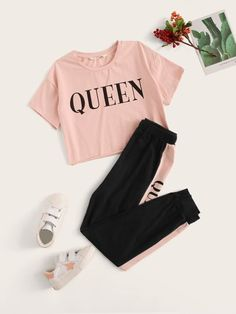 Girls Letter Graphic Top & Contrast Side Sweatpants Set – Kidenhouse Source by kidenhouse deportiva Cute Lazy Outfits, Teenage Outfits, Kids Outfits Girls, Pretty Outfits, Stylish Outfits, Vans Girls, Surf Girls, Girls Fashion Clothes, Teen Fashion Outfits