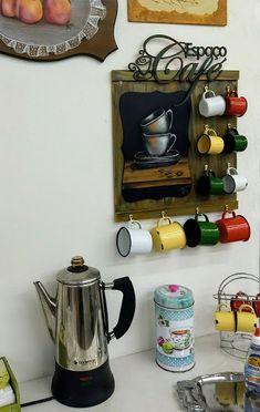 Coffee Mug Display, Coffee Cup Holder, Coffee Nook, Coffee Bar Home, Coffee Bar Station, Home Coffee Stations, Diy Crafts Hacks, Home Crafts, Diy And Crafts