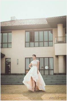 [웨딩드레스] 차분하고 서정적인 분위기가 흐르는 드레스 컬렉션을 마주하다.수에드블랑