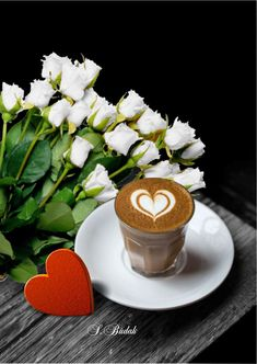 Coffee and flowers Good Morning Coffee, Good Morning Friends, Coffee Break, Buenos Dias Quotes, Coffee Heart, Spiced Coffee, Beautiful Posters, Coffee Photography, Fun Cup