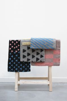 Colorful and minimal pattern rugs Interior Inspiration, Design Inspiration, Textiles, Cushions, Pillows, Traditional Rugs, Home Textile, Textile Design, Retail Design