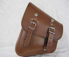 Diggin the brown Motorcycle Saddlebags, Leather Projects, Leather Working, Best Brand, Bobber, Leather Craft, Saddle Bags, Satchel, Bike