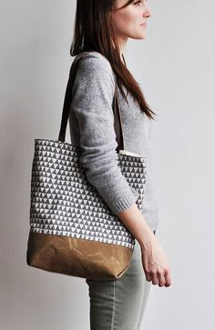 Triangle Tote // Bookhou