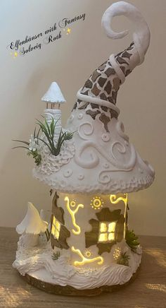 Clay Fairy House, Fairy Garden Houses, Diy Arts And Crafts, Clay Crafts, Fairy Lamp, Fairy Crafts, Jar Art, Clay Fairies, Miniature Fairy Gardens