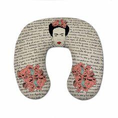 Almofada de pescoço estampada dos 2 lados no tamanho 46 x 36 cm com altura de…