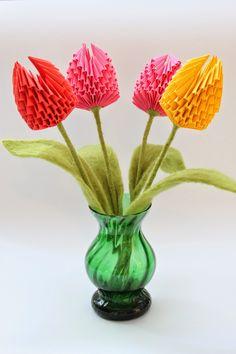 Post ten naczekał się od 8 marca :)), w końcu udało się go umieścić. Za parę dni Dzień Mamy więc nie ma tego złego ....... :))). Kwiaty wyk...