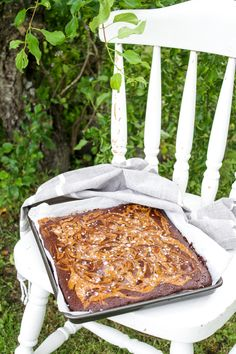 Choklad, sött och salt. Visst är det bästa kombon? Det måste vara det! Jag älskar choklad, kola och salt. Speciellt i en brownie. Ja, ni bara måste prova denna ljuvliga kaka.