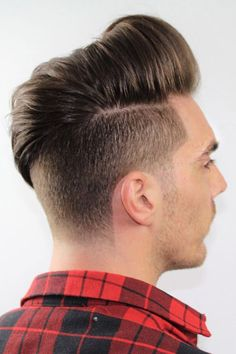 For the trendiest ideas on a pompadour mens hairstyle, turn to our guide. Here, you will find a haircut for anybody, from white to black men, be it an undercut pomp with a taper or curly bangs with a fade. Tapered Undercut, Undercut Styles, Undercut Designs, Undercut Men, Pompadour Men, Pompadour Hairstyle, Undercut Hairstyles, Mens Medium Length Hairstyles, Curly Bangs
