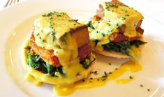 VEGAN EGGS BENEDICT Seared tofu layered with fried tomatoes and Hollandaise sauce will be your go-to brunch entrée. Vegan Breakfast Recipes, Delicious Vegan Recipes, Brunch Recipes, Healthy Recipes, Breakfast Ideas, Healthy Deserts, Vegetarian Breakfast, Veggie Recipes, Whole Food Recipes