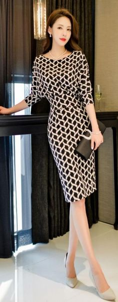 Korean Fashion – How to Dress up Korean Style – Designer Fashion Tips Elegant Dresses, Beautiful Dresses, Casual Dresses, Fashion Dresses, Gorgeous Dress, Trendy Fashion, Korean Fashion, Fashion Models, Womens Fashion