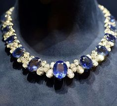 Chopard #highjewelry #necklace #diamond #diamonds #sapphire #platinum #gold