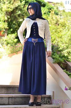 Uzun Elbise Ceket Takım 2049-06 Saks. Summer kumaştan imal edilmiş olan elbiselerimiz kullanımı çok rahattır ve pileli modeliyle şık bir görünüm kazanmıştır. Hem günlük hemde özel günlerde tercihe göre kullanılabilir. Yanındaki fermuarı sayesinde giyip çıkarması oldukça kolaylaşmıştır.