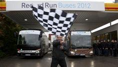 Record Run Buses 2012: Zieleinlauf nach 18 000 km am 26. Oktober 2012 in Wiesbaden Fotonummer: 12C1225_214 Dateigröße: 3,159 MB Dateigröße, niedrig: 0,017 MB Datum: 29.10.2012