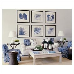 Blue And White Living Room, Blue Living Room Decor, Blue And White Vase, Living Room Designs, Hamptons Style Decor, Beachy Room, Small Space Living Room, Family Room Decorating, Blue Rooms