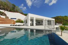 Hillside Modern Residence with Ocean Views: Villa Avenstar Hillside Pool, Ocean View Villas, Luxury Villa, Ideal Home, My Dream Home, Beautiful Homes, Architecture Design, House Design, Mansions