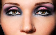 Applying eye shadow tips    http://couponbeauty.com/eyeshadow/correct-way-to-apply-eye-shadow-easy-make-up-tips/