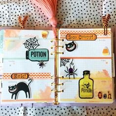 My week waiting to be filled in. I really need to change my tassel for October, lol! #planners #planning #planningfun #cocoadaisy #halloweenplanner