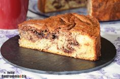 Bizcocho con Nutella y avellanas Nutella, Dessert Recipes, Desserts, Pound Cake, Cakes And More, Sweet Recipes, Food To Make, Sweet Tooth, Bakery
