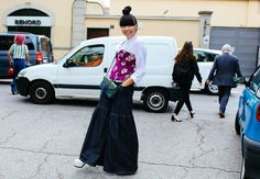 milan-street-style- Marques Almeida corset, MM6 shirt, Christopher Kane bag, Valentino jeans, J.W. Anderson shoes