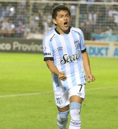 Godoy Cruz se adelanta en Mendoza y derrota a Atlético Tucumán El Tomba derrota 1-0 al Decano con gol del Morro García de penal, casi al cierre del primer tiempo. Si gana, el visitante quedará a un punto de la cima del torneo.