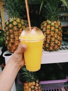For more juicing tips, click now. Stay healthy and fit by simply capitalizing on making juice. Food intake is vital to our long term wellness. An abundance of vegatables and fruits will almost allways be healthy for you. Think Food, I Love Food, Good Food, Yummy Food, Tasty, Comida Picnic, Food Goals, Aesthetic Food, Cute Food