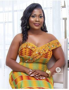 Beautiful Corporate Kente Attire For Damsels - Sisi Couture African Wedding Attire, African Attire, African Wear, African Dress, African Style, African Women, African Fashion Designers, Latest African Fashion Dresses, African Print Fashion