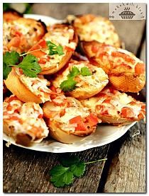 przystawki na impreze/grilla na Stylowi.pl Puff Pastry Appetizers, Appetizer Recipes, Healthy Snacks, Healthy Recipes, Party Snacks, Potato Recipes, Food And Drink, Cooking Recipes, Yummy Food