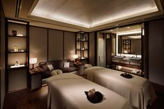 The Ritz-Carlton Millenia Singapore Massage Room Design, Massage Room Decor, Spa Interior Design, Spa Design, Spa Room Ideas Estheticians, Spa Lounge, Spa Treatment Room, Small Spa, Spa Lighting