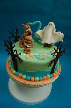 Scooby Doo cake - by Ladybird Cake Company Torta Scooby Doo, Scooby Doo Birthday Cake, Toddler Birthday Cakes, Birthday Fun, Ladybird Cake, Disney Cakes, Unique Cakes, Halloween Cakes, Love Cake