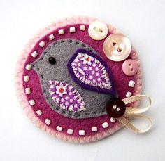 felt bird brooch @ Craft Juice