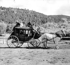 Costumed men pose on a stagecoach from the former Spearfish / Deadwood Line Old West Photos, Old Wagons, Horse And Buggy, Covered Wagon, Chuck Wagon, American Frontier, Horse Drawn, Le Far West, Western Art