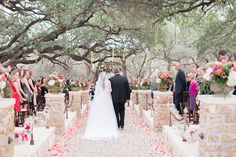 Stunning Hill Country wedding at the Sacred Oaks venue at Camp Lucy in Dripping Springs that was featured in the fab @trendybride magazine! So many gorgeous photos by michelleboydphotography.com - don't miss her blog for more!