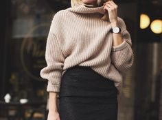 Oversized sweater and high waisted skirt