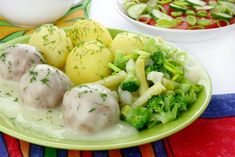 KLOPSY W SOSIE KOPERKOWYM - sprawdzony przepis - Beszamel.se.pl Cebu, Potato Salad, Food And Drink, Eggs, Potatoes, Cooking, Breakfast, Ethnic Recipes, Fit
