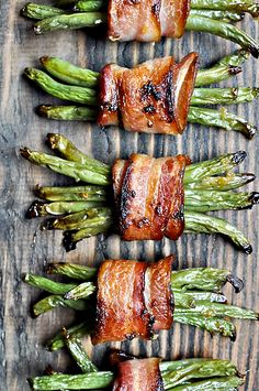 Green Bean Bacon Bundles - 49 Delicious Holiday Appetizers Your Guests Will Love Holiday Appetizers, Appetizer Recipes, Holiday Recipes, Appetizer Ideas, Thanksgiving Appetizers, Vegetable Dishes, Vegetable Recipes, Veggie Tray, Side Dish Recipes