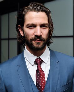 Amazing Michiel Huisman — Michiel At party in a. Michael Huisman, Gq, Long Hair Beard, Medium Hair Styles, Long Hair Styles, Beard Art, Bride And Groom Pictures, Ginger Beard, Famous Men