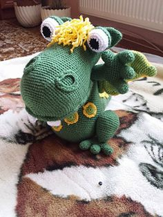 Ravelry: Süsü Dragon pattern by Tisztisz amigurumi Crochet Animals, Crochet Toys, Stitch Patterns, Crochet Patterns, Dragon Pattern, Hobbies And Crafts, Handmade Toys, Softies, Free Knitting
