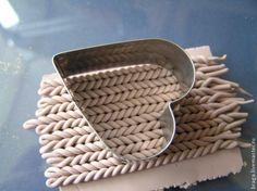 Брошь в технике имитация вязания из полимерной глины - Ярмарка Мастеров - ручная работа, handmade