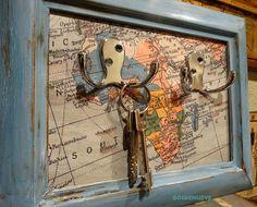 Finde frugal: Colgador de llaves Decoracion Low Cost, Key Hooks, Diy And Crafts, Vintage World Maps, Frame, Painting, Keys, Entryway, Home Decor
