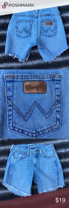 """Wrangler jean shorts Wrangler high waisted jean shorts.                Size 1/2 x 34 waist 26"""" Wrangler Shorts Jean Shorts"""
