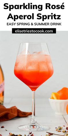 Light, fruity and delicious. An Aperol Spritz variation for the books: Sparkling Rosé Aperol Spritz. Perfect for date night, a Valentine's Day drink, Mother's Day Brunch, or for easy Spring cocktails. Honestly is there a bad time to enjoy this rosé cocktail? Valentine's Day Drinks, Italian Drinks, Easy Summer Cocktails, Low Calorie Drinks, How To Make Drinks, Spring Recipes, Cocktail Recipes, Brunch