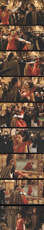 Van Helsing / Anna Valerious' Dress | ScreenUsed.com