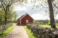 So lebten einst die Bauern in Smaland Schweden http://www.travelworldonline.de/traveller/smaland-schweden-genuss-reise-von-joenkoeping-bis-vaexjoe/?utm_content=buffer777b0&utm_medium=social&utm_source=pinterest.com&utm_campaign=buffer