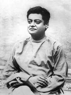 Last known photos of Vivekananda. Shillong, 1901 Close up of previous photograph Close up of the previous photo Rare Pictures, Rare Photos, Old Photos, Vintage Photos, History Of India, History Photos, History Facts, Ancient History, Real Life Heros