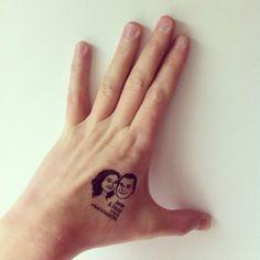 Custom Portrait Tattoo @lilimandrill www.lilimandrill.fr @etsy #weddingfavors #favorsforguests #weddingguests #EtsyGifts #weddinggift #giftforcouple #lovers #love #etsywedding #wedding #bride #couple #bacheloretteparty #tattoo #temporarytattoo #perfectgift #engaged #party #personalizedgift #uniquegift