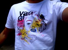 Marilyn Monroe - T-shirt by usevanguarda